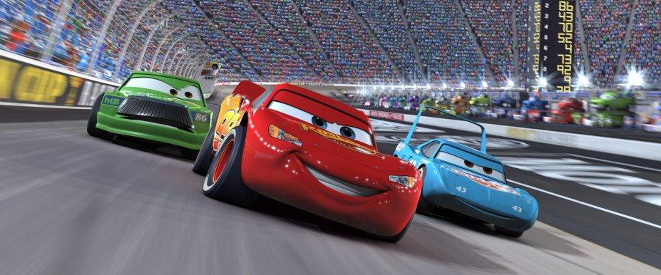 <strong>Carros (estreia em 01/09): </strong>Nesta animação, o promissor carro de corridas Relâmpago McQueen atravessa o país para participar de uma corrida importante, mas acaba se desviando pelo caminho. A sequência Carros 2 estreia na mesma data. Nela, Relâmpago McQueen se envolve em divertidas e misteriosas intrigas internacionais a caminho da Europa para participar do Grand Prix Mundial.