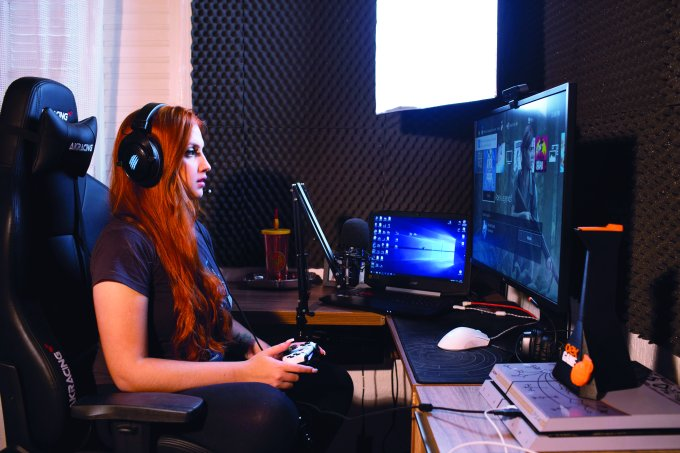 SAO PAULO, SP,  19.07.19. Jogadoras de video game profissionais (REVISTA CLAUDIA)