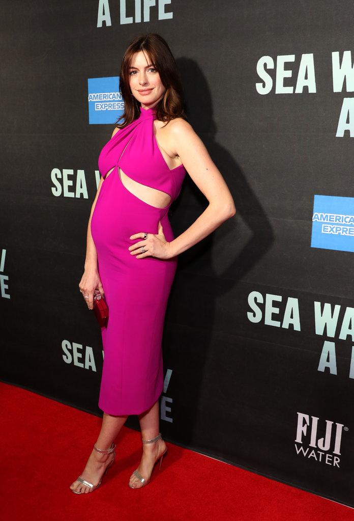 Anne Hathaway em estreia na Broadway