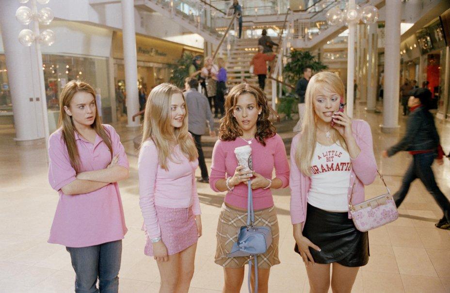 <strong>Meninas Malvadas (estreia em 01/09): </strong>Cady entra para a turma mais popular da escola, mas as coisas ficam complicadas quando o ex da líder da turma quer namorá-la.