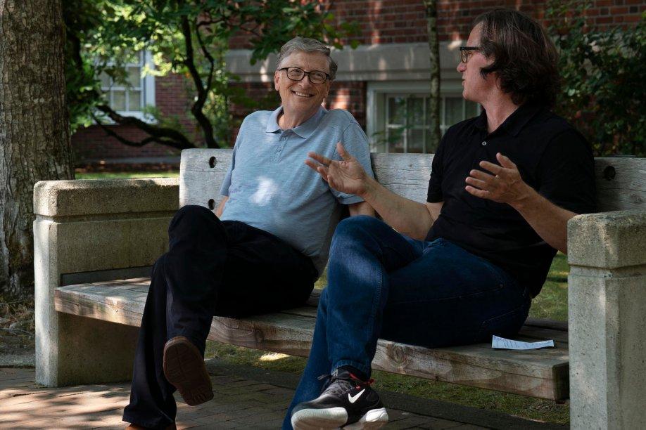 <strong>O Código Bill Gates (estreia em 20/09): </strong>Co-fundador da Microsoft, Bill Gates fala sobre a sua infância, a sua carreira e a paixão que nutre por melhorar a vida das pessoas no mundo em desenvolvimento.