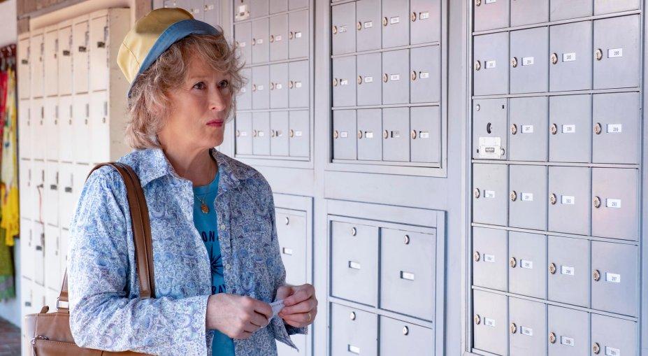 <strong>A Lavanderia (estreia em 18/10/2019): </strong>Uma viúva (Meryl Streep) investiga fraudes em seguros e descobre dois advogados (Gary Oldman e Antonio Banderas) que dão golpes financeiros globais.