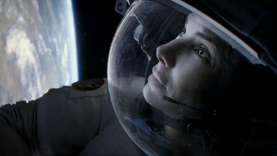 <strong>Gravidade (estreia em 01/10/2019): </strong>Após um acidente, um astronauta e uma engenheira biomédica ficam isolados no espaço sem comunicação com a Terra. Filme vencedor de 7 Oscars, com Sandra Bullock.
