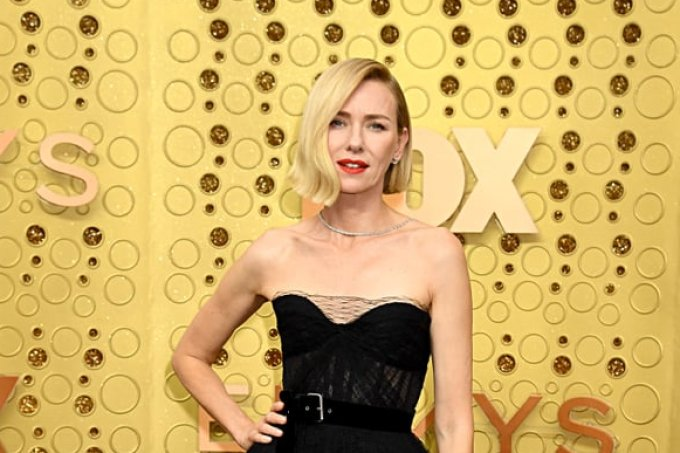 naomi-watts-asymmetrical-bob-haircut-emmys-2019