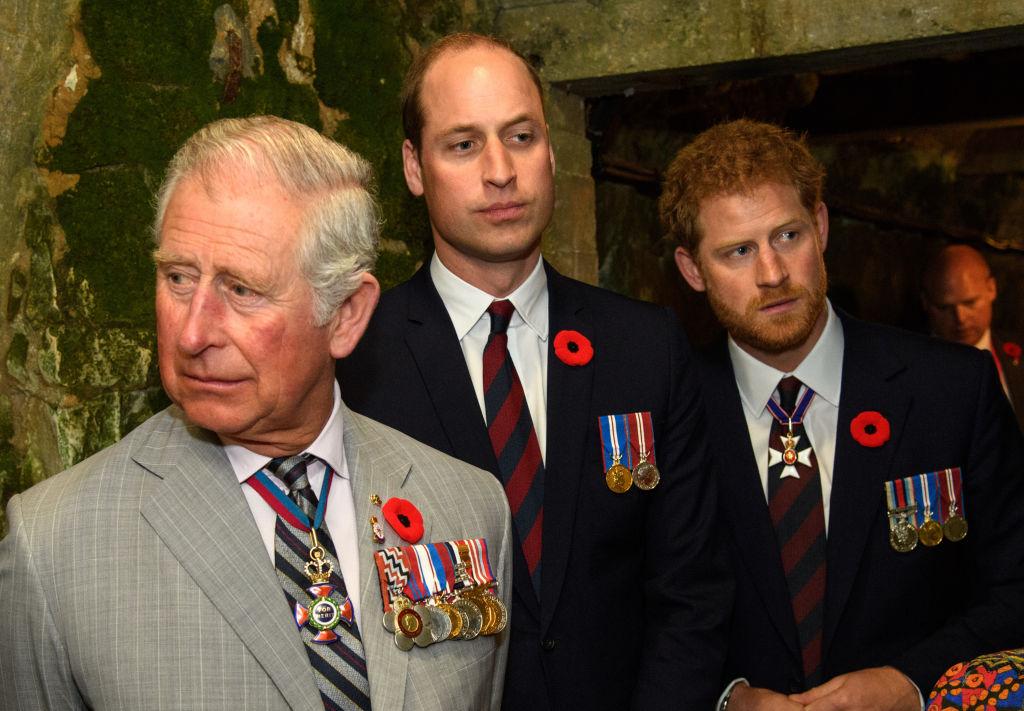 Príncipe Charles com William e Harry