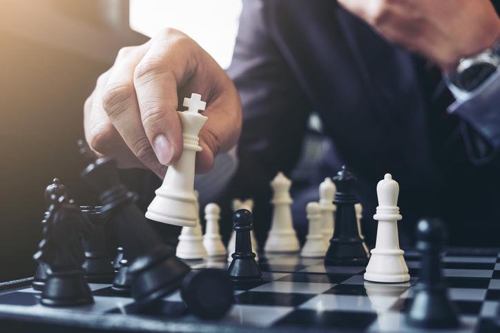 Jogar xadrez exercita o cérebro e reduz o estresse