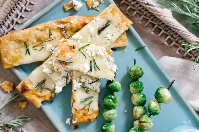 Massinha de queijo de cabra, alecrim e flor de sal