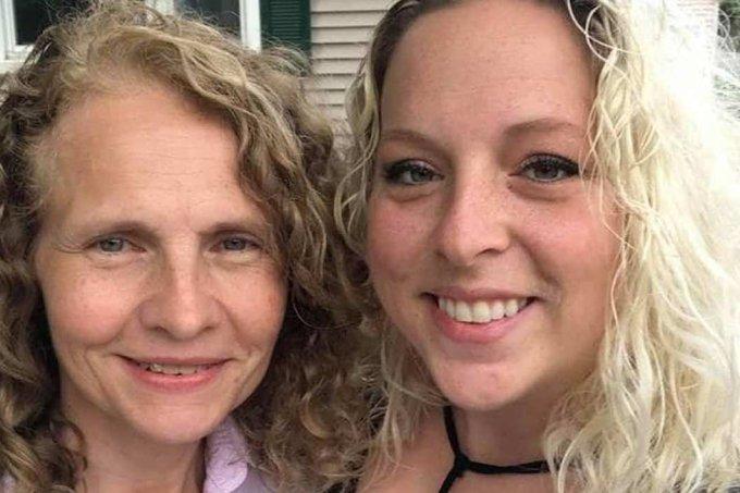 mulher que procurava irmã biológica descobre que ela é sua vizinha