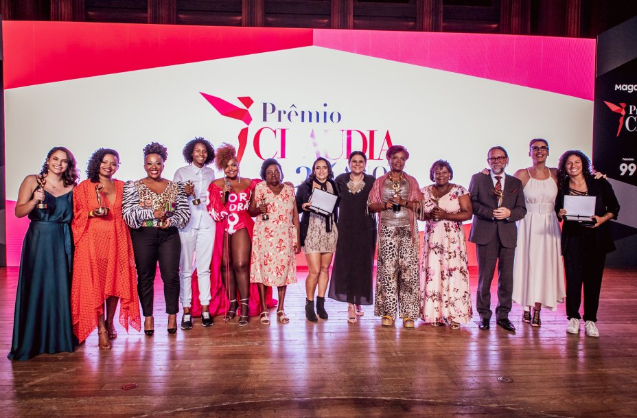As vencedoras posam para a foto ao final da cerimônia