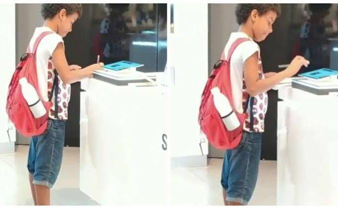 Menino usou tablet de mostruário para estudar