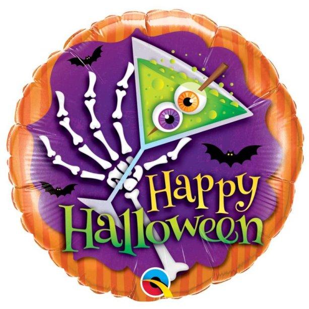 """Balão metalizado Halloween, de 46 cm. <a href=""""https://www.silvanofestas.com.br/baloes/baloes-metalizados/balao-halloween-foil-qualatex"""" target=""""_blank"""" rel=""""noopener"""">Silvano Festas</a>, R$ 12,90 (vazio)"""