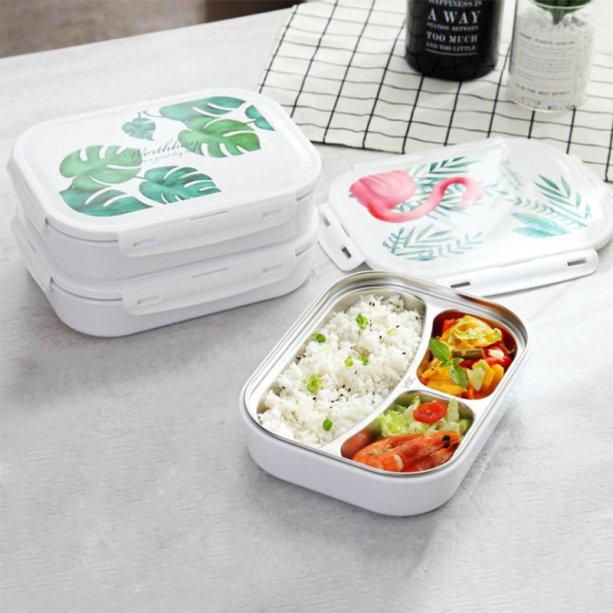 """Marmita de aço inoxidável Microwaveable Bento Box, com três compartimentos. Medidas <span>26 x 19,5 x 5 cm. <a href=""""https://www.newchic.com/pt/saiclehome-lunch-boxes-7248/p-1361435.html?rmmds=category"""" target=""""_blank"""" rel=""""noopener"""">New Chic</a>, R$ 73,19</span>"""
