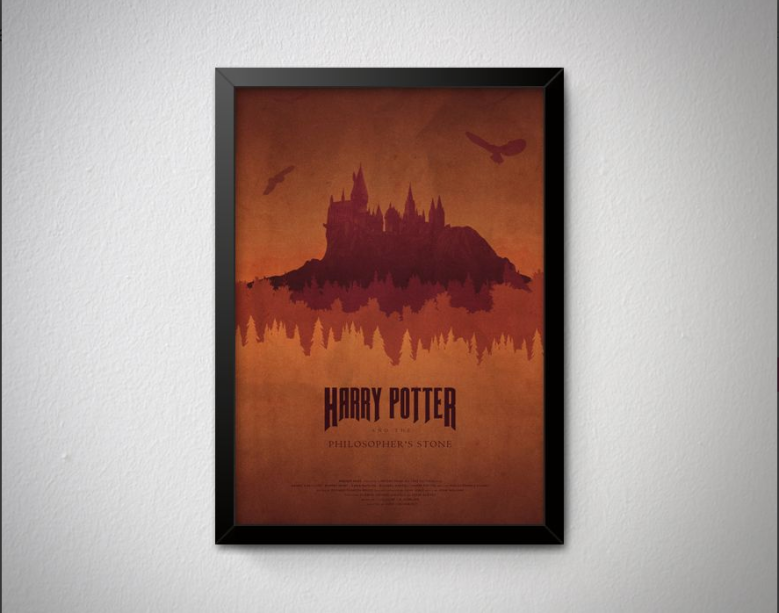 """Quadro Harry Potter. <a href=""""https://www.quadrorama.com.br/produto/harry-potter-e-a-pedra-filosofal"""">Quadrorama</a>, R$ 29,90"""