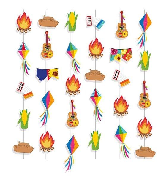 """Cortina decorativa, de papel-cartão, com 6 cordões e 36 peças. <a href=""""https://www.silvanofestas.com.br/cortina-decorativa-festa-junina-arraia-cromus?search=junina"""" target=""""_blank"""" rel=""""noopener"""">Silvano Festas</a>, R$ 23,60"""