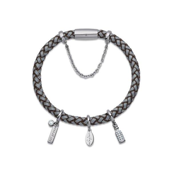 As joias da nova coleção Life Wishes Proteção by Vivara trazem um ícone simbólico em prata, como este de sal grosso.