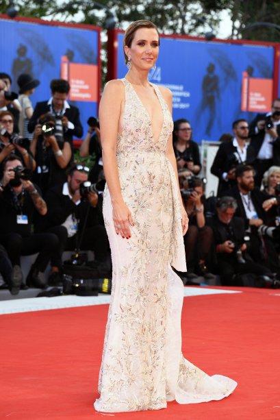 <strong>Kristen Wiig</strong>de <strong>Zuhair Murad</strong> na première de<span><strong>Downsizing</strong>.</span>