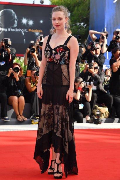 <strong>Amanda Seyfried</strong> de <strong>Alexander McQueen</strong> na première de <strong>First Reformed</strong>.
