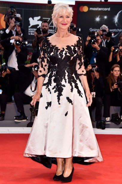 <strong>Helen Mirren</strong> de <strong>Sassi Holford</strong> na première de<span><strong>The Leisure Seeker</strong>.</span>