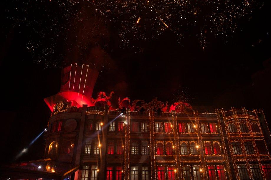 Fogos de artifício para celebrar a chegada do Natal