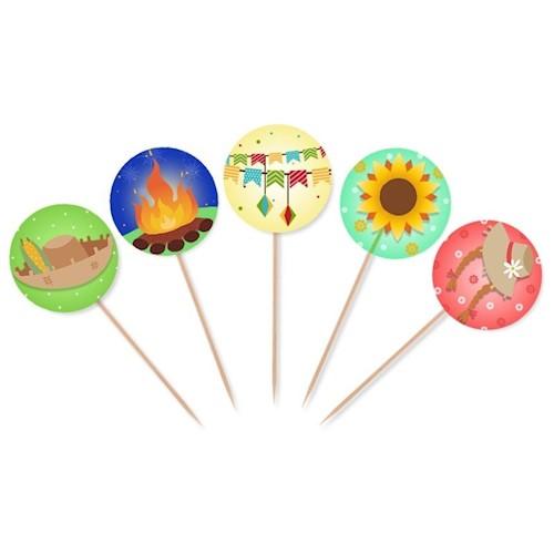 """Topper para docinhos - 10 unidades. <a href=""""https://www.magazineluiza.com.br/a1-topper-para-cupcake-e-doces-festa-junina-modelo-02-10-unidades-mz-decoracoes-e-festas/p/hjkff02eb2/am/ajun/"""" target=""""_blank"""" rel=""""noopener"""">Magazine Luiza</a>, R$ 5,90"""