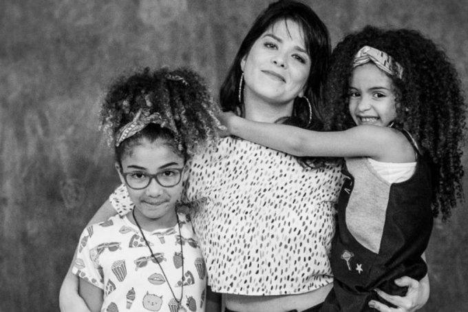 Samara Felippo e suas filhas
