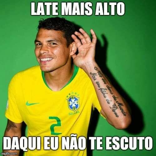 Parece que o zagueiro Thiago Silva é mesmo fã da Valesca Popozuda. Será?