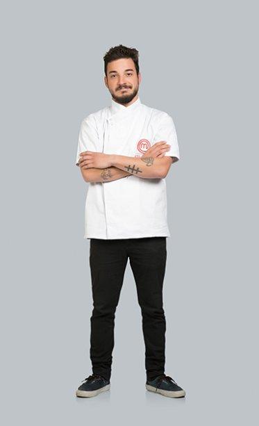 William Williges, gaúcho, cozinha profissionalmente desde os 18 anos. Aposta no talento e criatividade para surpreender os concorrentes e a audiência.