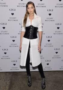 Gigi Hadid de corset