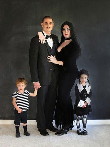 Fantasia de família para Halloween - Família Addams