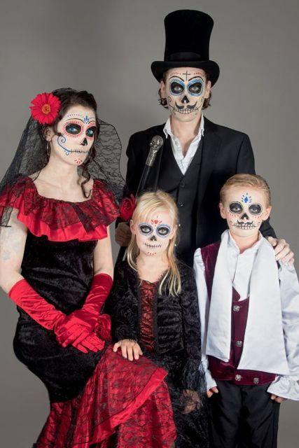 Fantasia de família para Halloween - Caveiras mexicanas