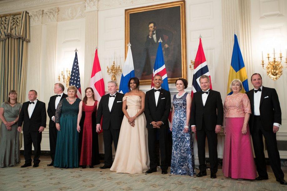 Vestido: Naeem Khan // Evento: White House's Nordic State Dinner // Data: 13.05.16