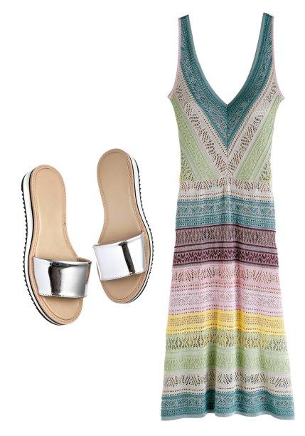 Vestido de tricô, <strong>Cecilia Prado</strong>, R$ 869. Slides de couro, <strong>Santa Lolla</strong>, R$ 250.