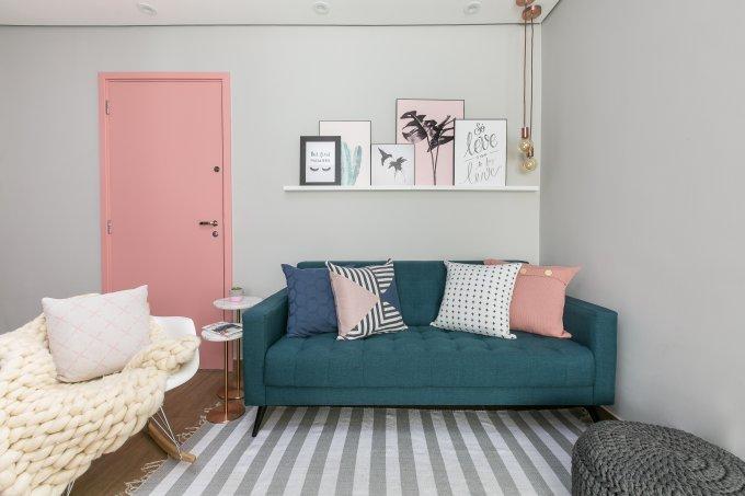 criar interiores sala porta rosa