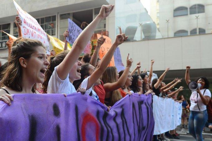 Mulheres protestando contra a violência em São Paulo