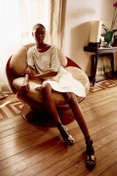 <strong>FYI</strong>. O vestido bordado da foto, um dos destaques da coleção de Ano Novo, está à venda por R$ 698.