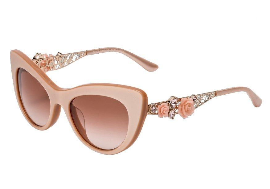 Óculos de acetato, <strong>Dolce & Gabbana</strong>, R$ 1 390, Luxottica