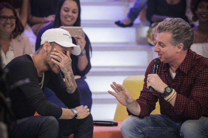 Neymar chora no Caldeirão do Huck