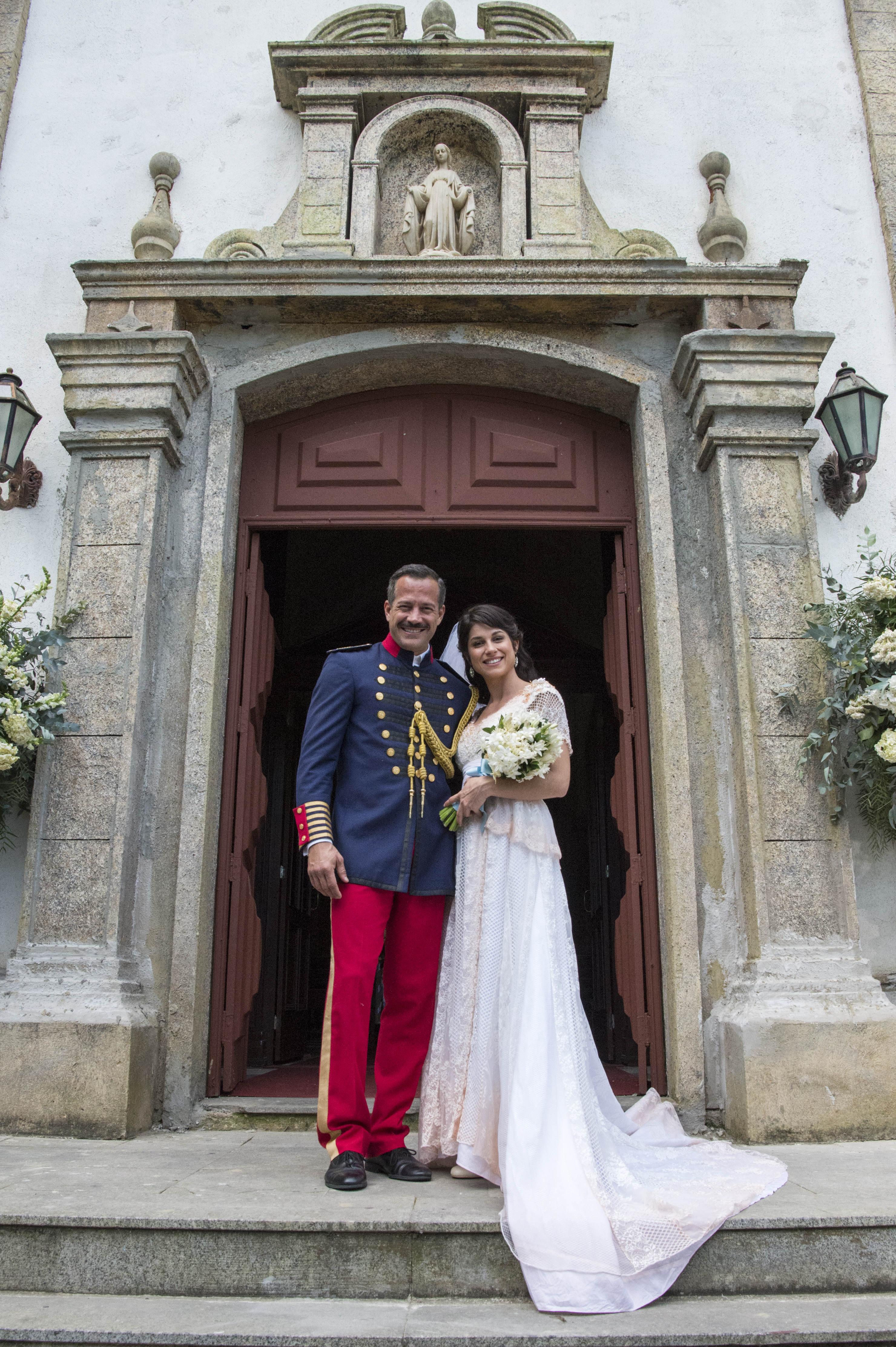 Orgulho e Paixão: casamento de Mariana ( Chandelly Braz) e Coronel Brandão ( Malvino Salvador)