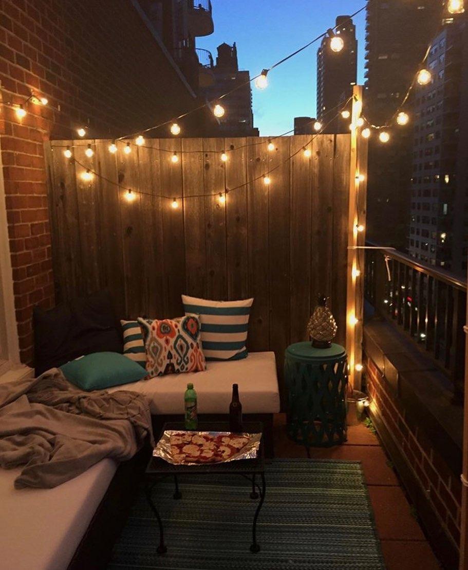 cordão de luzes na varanda