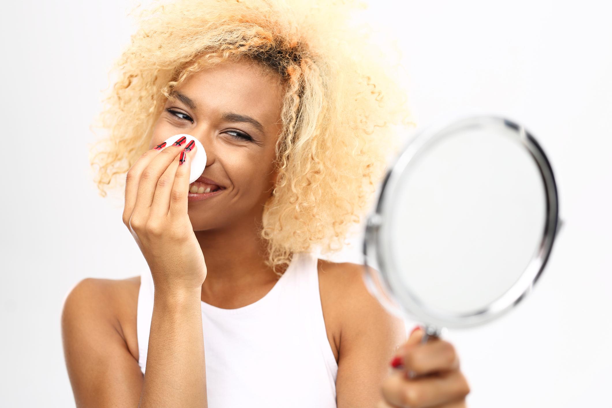 Água micelar e seus benefícios para a pele