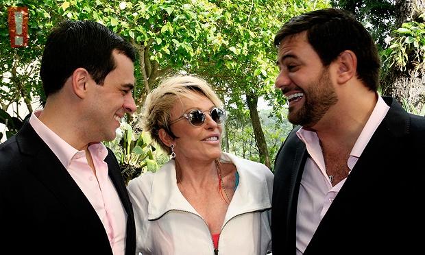 Em clima de namoro! Separada, Ana Maria Braga vive novo romance com Mauro Bayout