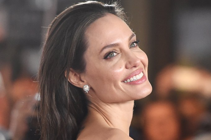 Angelina Jolie doação crianças coronavírus