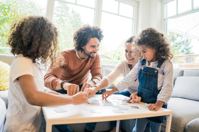 Atividades para entreter as crianças em casa entre o Natal e o Ano Novo