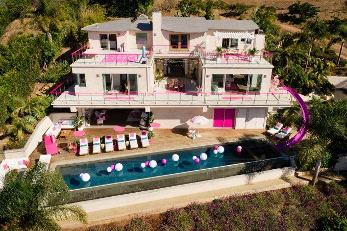 Casa da Barbie Malibu Airbnb