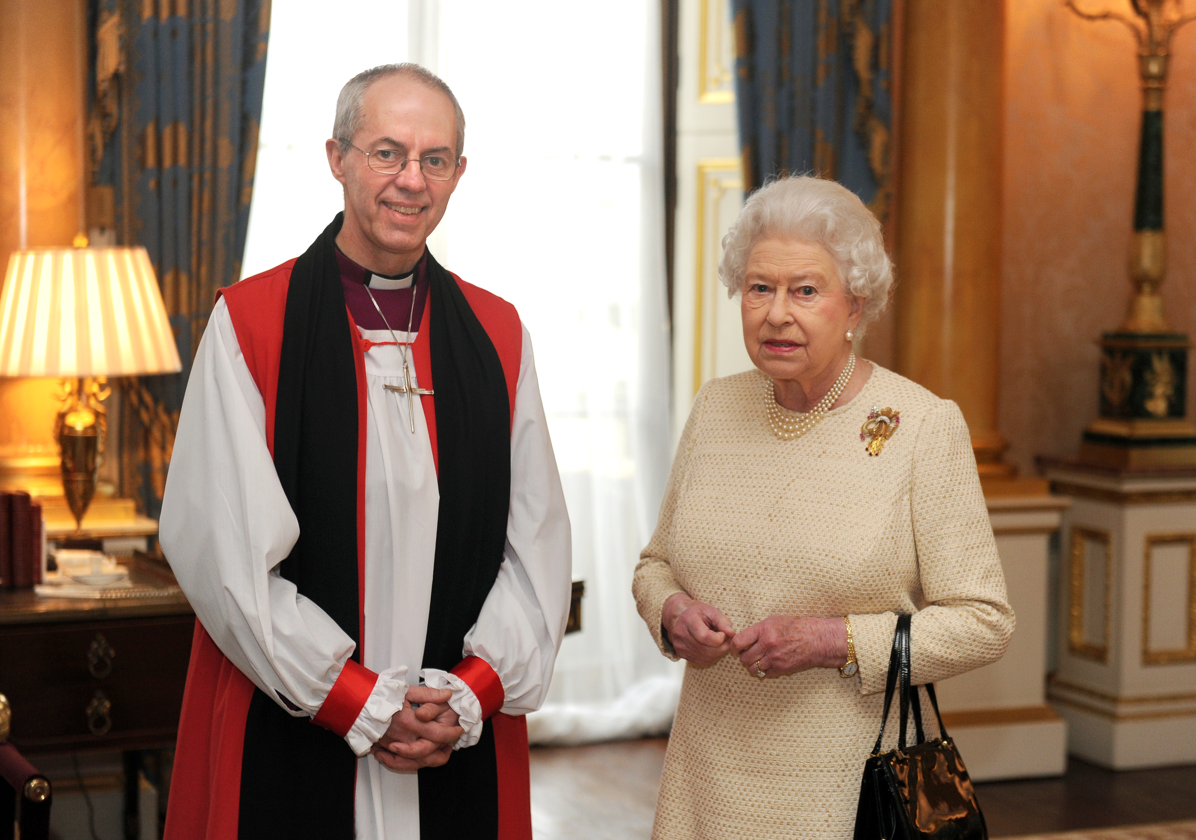 Rainha Elizabeth II, líder da Igreja Anglicana