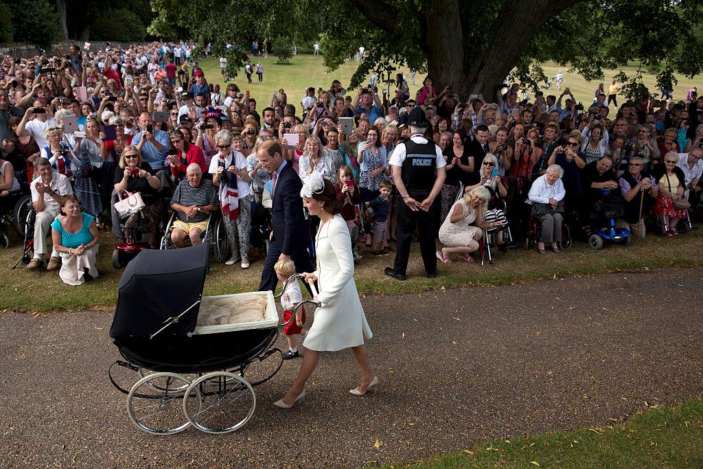 Batizado Princesa Charlotte - carrinho