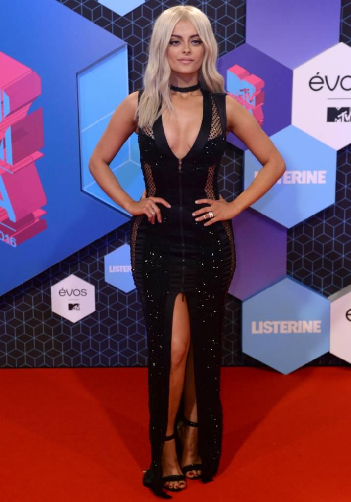 Os looks das famosas no Europe Music Awards 2016
