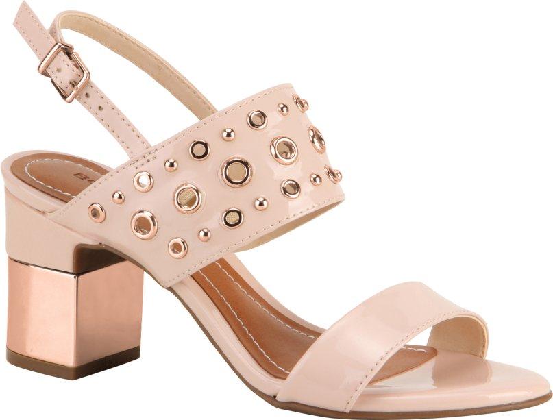4. Pink Millennial: definitivamente, é a cor da vez - e invadiu até o mundo dos sapatos. Mezzo candy, mezzo pastel, fica sofisticada quando combinada a peças de cor cinza mescla ou azul. Bottero, R$ 182, bottero.net.