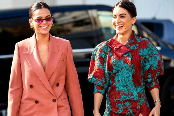Bruna Marquezine e Camila Coelho – Street Style – Semana de Alta-Costura de Paris 2019/2020