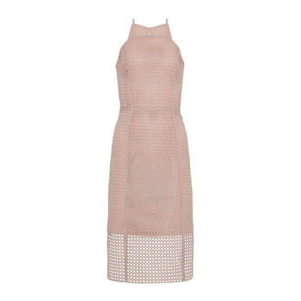 Vestido rosa claro, R$ 289,99. <i>*preços checados em março de 2017.</i>